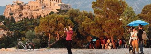 La trop longue solitude de l'Acropole d'Athènes privée de ses admirateurs