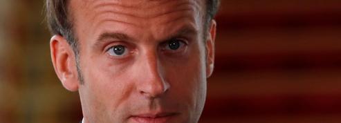 Emmanuel Macron cherche un cap à donner au pays