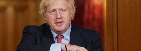 Déconfinement: Boris Johnson critiqué… pour sa prudence
