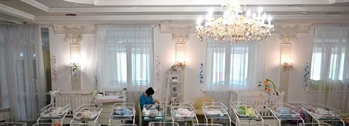 «Les centaines de bébés bloqués en Ukraine montrent l'indécence de la gestation pour autrui»