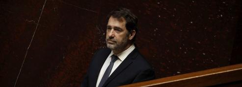 Remaniement: rarement un Premier flic de France a été aussi exposé que Christophe Castaner