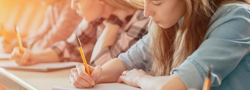 Collèges, lycées: le gouvernement prépare plusieurs scénarios pour la rentrée