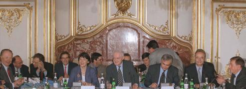 Gouvernement, patronat, syndicats: vingt ans de relations houleuses
