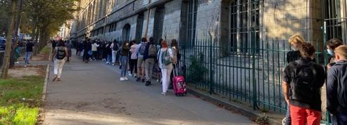 Rentrée 2020: à Paris, les élèves sont ravis de se retrouver malgré le port du masque