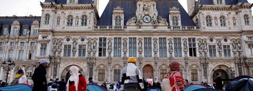 À Paris, l'Hôtel de ville accueille 200 migrants