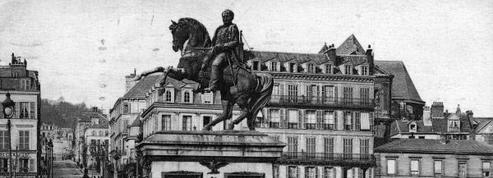 Statue de Napoléon déplacée à Rouen: «L'opportunisme politique flirte avec la lâcheté historique»
