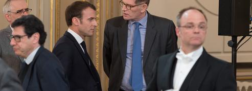 Après le remaniement, Macron change aussi son équipe à l'Élysée