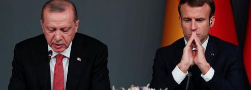 La pression retombe autour de la Grèce dans le face-à-face Macron-Erdogan