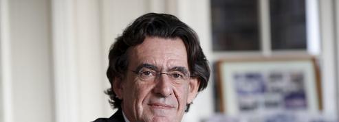 Tourisme: «Nous cherchons tous à fuir les cohortes», affirme Luc Ferry