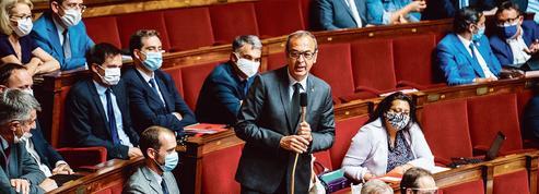 À l'Assemblée nationale, la majorité se porte au secours de l'exécutif