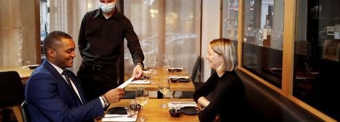 Couvre-feu: quand les Français dînent à l'heure anglaise