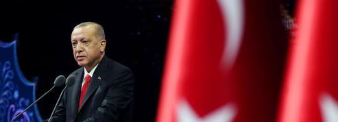 Passe d'armes caricaturale entre Erdogan et Charlie Hebdo