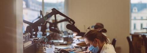 En apprentissage, ils travaillent pour les maisons Chaumet et Dior