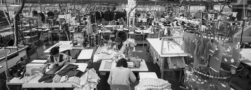 À Limoges, la dernière usine française de costumes renaît de ses cendres