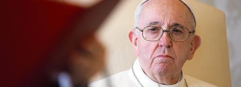 Le pape éteint un scandale financier à Londres