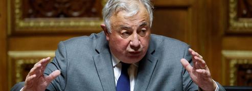 Covid-19: la droite et le centre demandent que le Parlement soit associé