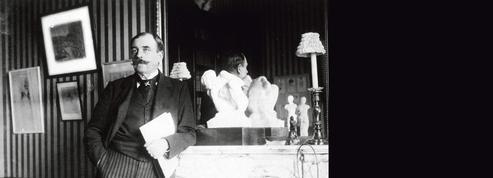 Quand Octave Mirbeau écrivait dans Le Figaro: «Plus l'art s'abaisse, plus le comédien monte»