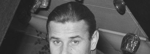 Lev Yachine, un roman soviétique de Laurent Lasne: le gardien de but coiffé d'une casquette de prolo