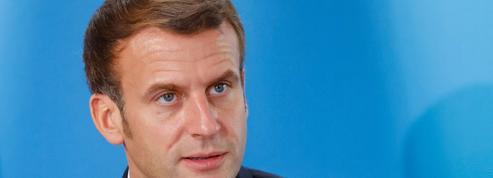 Réformes: Macron maintient ses ministres sous pression