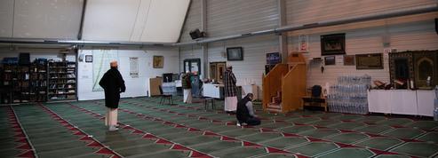 Mosquées séparatistes: renseignement, fisc, douanes... l'État engage tous ses moyens dans la traque