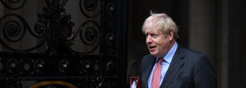 Vaccinations: «Boris Johnson a besoin d'une victoire pour remonter le moral des Britanniques et redorer son blason»