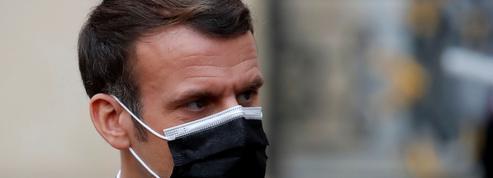 cVague après vague, le Covid-19 sape le quinquennat d'Emmanuel Macron