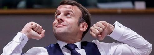 Climat: Emmanuel Macron garde en poche la carte du référendum