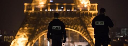 Les policiers, en plein malaise, doivent veiller au couvre-feu