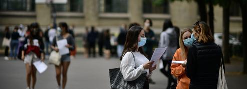 Bac 2021: l'organisation de l'examen suspendue au virus du Covid-19