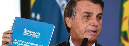 Au Brésil, Bolsonaro en campagne anti-vaccinale