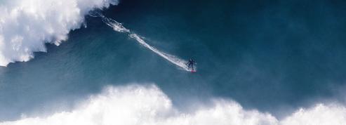Justine Dupont, surfeuse de l'extrême