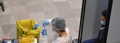 Vaccins: quelle différence entre Moderna et Pfizer/BioNTech?
