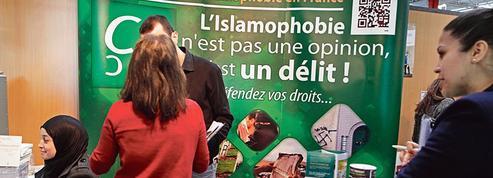 Le Collectif contre l'islamophobie en France mobilise ses adhérents devant le Conseil d'État