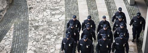 Gérald Darmanin souhaite créer 30.000 policiers «réservistes» issus de la société civile