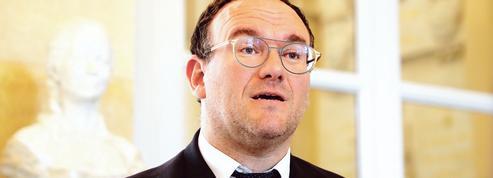Damien Abad: «Nos électeurs nous demandent d'être de droite»