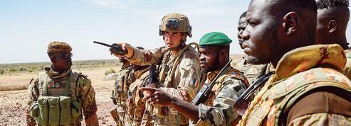 Après l'effort militaire au Sahel, Macron réclame un sursaut politique africain