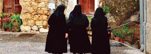 Une saison douce de Milena Agus: des intrus et des anges