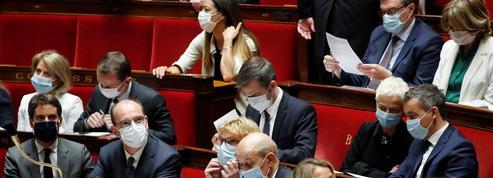 Macron rattrapé par les divisions d'un gouvernement et d'une majorité composites
