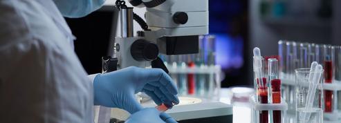 Covid-19: qui pourra recevoir des anticorps monoclonaux en France?