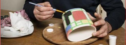 Deux heures pour réaliser une peinture sur céramique