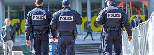 Gérald Darmanin demande à des étudiants en école de mode d'imaginer le nouvel uniforme des policiers