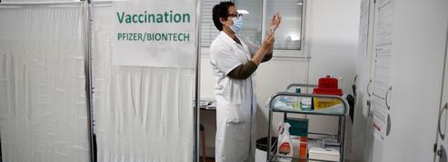 Vaccination: pourquoi la montée en puissance des livraisons devrait intervenir dès avril