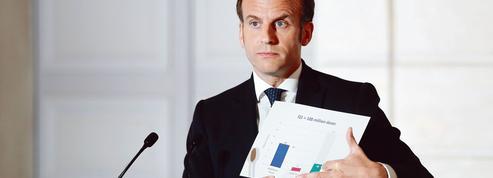 Emmanuel Macron pris dans la tourmente de l'épidémie