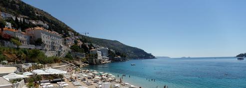 Tourisme: Grèce, Espagne, Italie... La course contre la montre pour sauver l'été