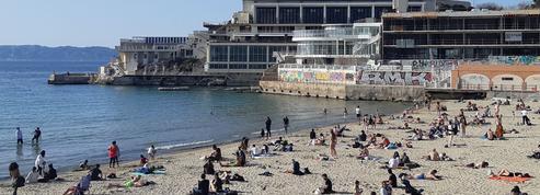 Avec des plages déjà bondées, Marseille redoute un afflux de touristes