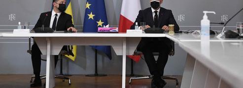 Ukraine: Macron élude l'appel à l'aide de Zelensky
