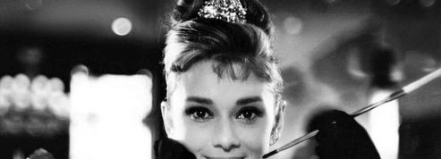 Breakfast at Tiffany's :«Audrey Hepburn enchante le film» selon Le Figaro en 1962