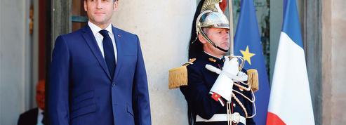 Jean-Pierre Robin: «Macron peut-il se targuer d'être en même temps le président des pauvres?»