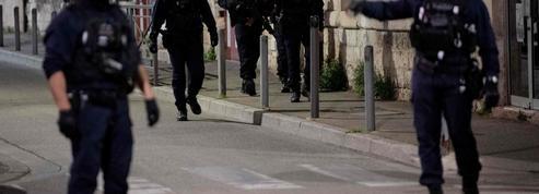 Policier tué à Avignon: pour les syndicats, ce meurtre est le résultat du discours antiflics