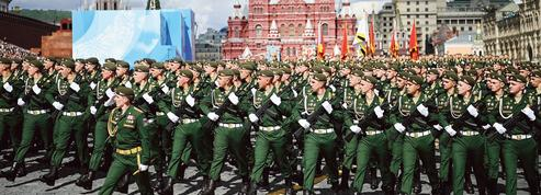 Vladimir Poutine célèbre la grandeur russe et la «fête sacrée» de la victoire contre le nazisme